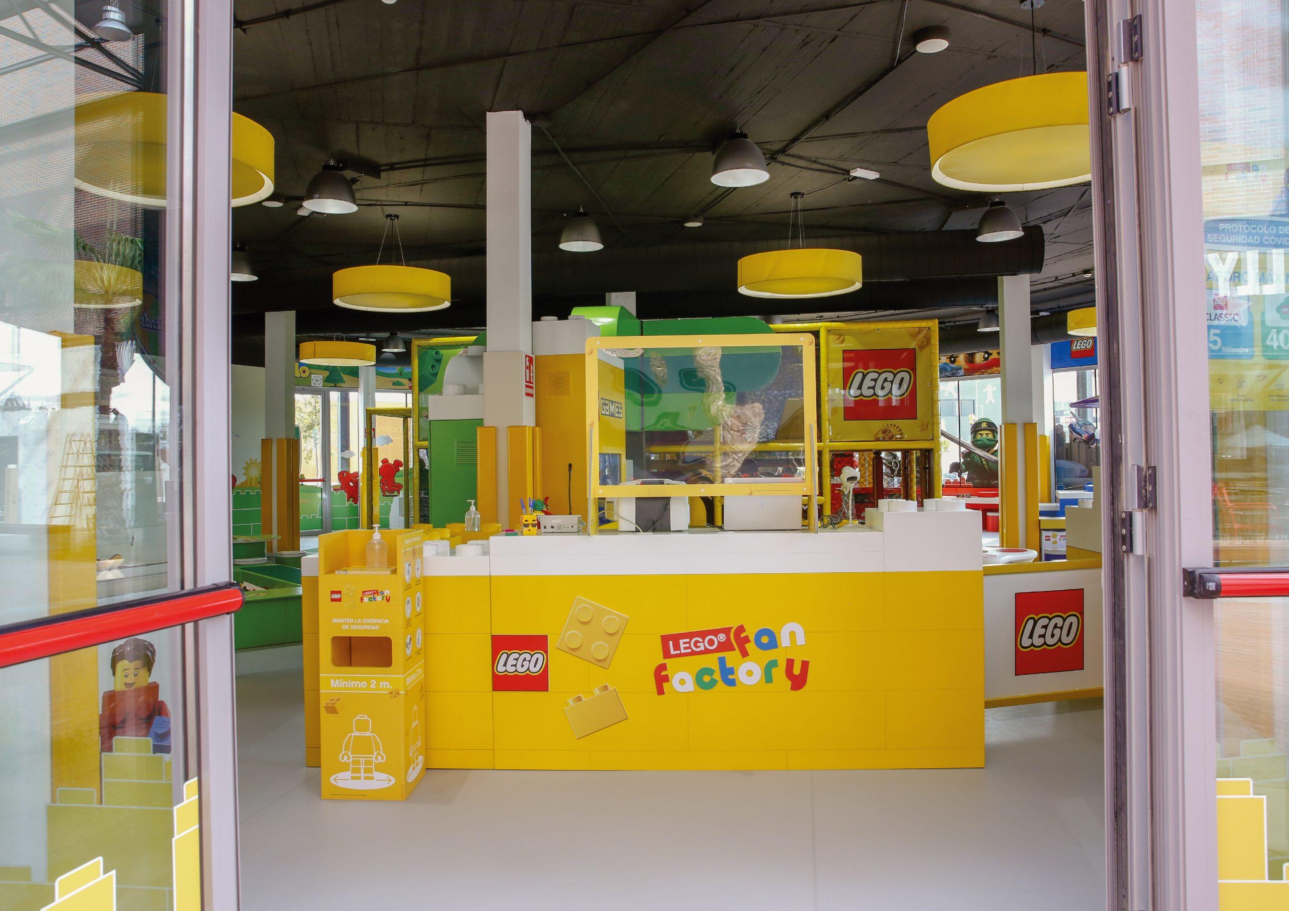 LEGO® FAN FACTORY – LEGO®