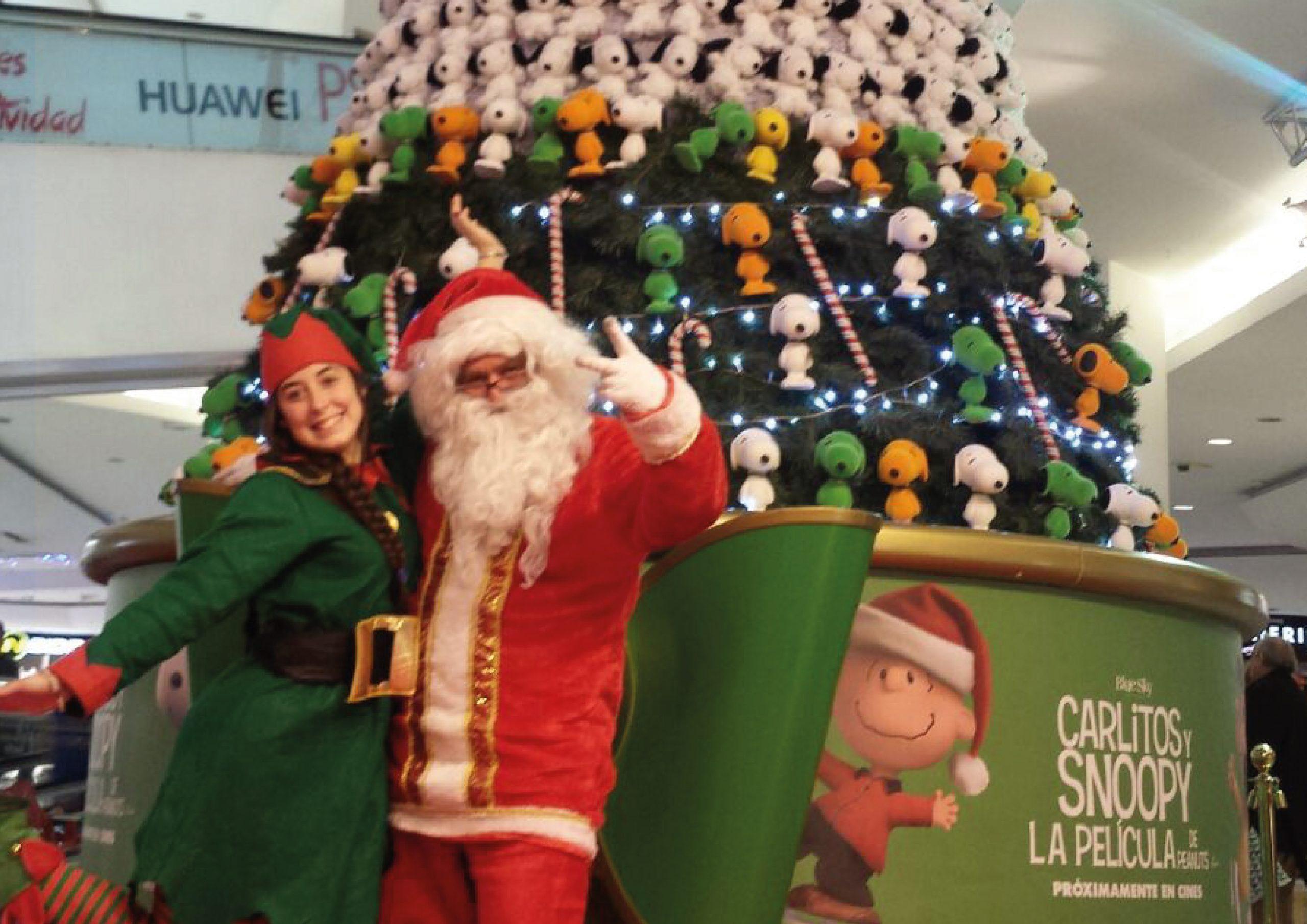 SNOOPY CHRISTMAS – UNIVERSAL