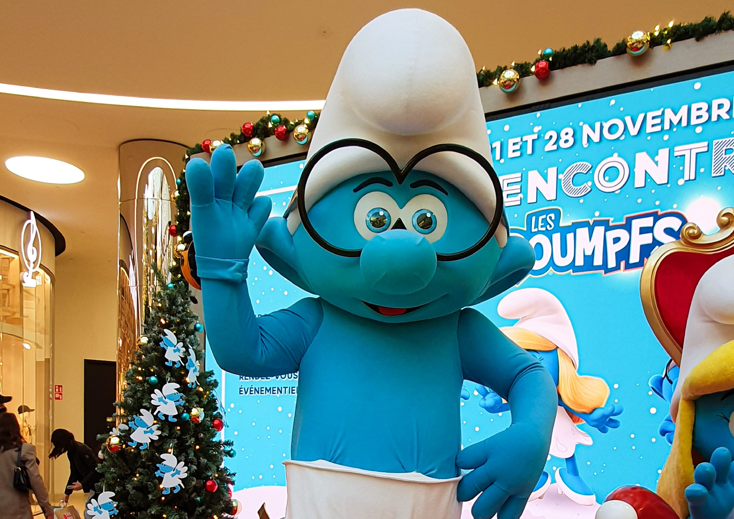 CHRISTMAS WITH THE SMURFS – IMPS