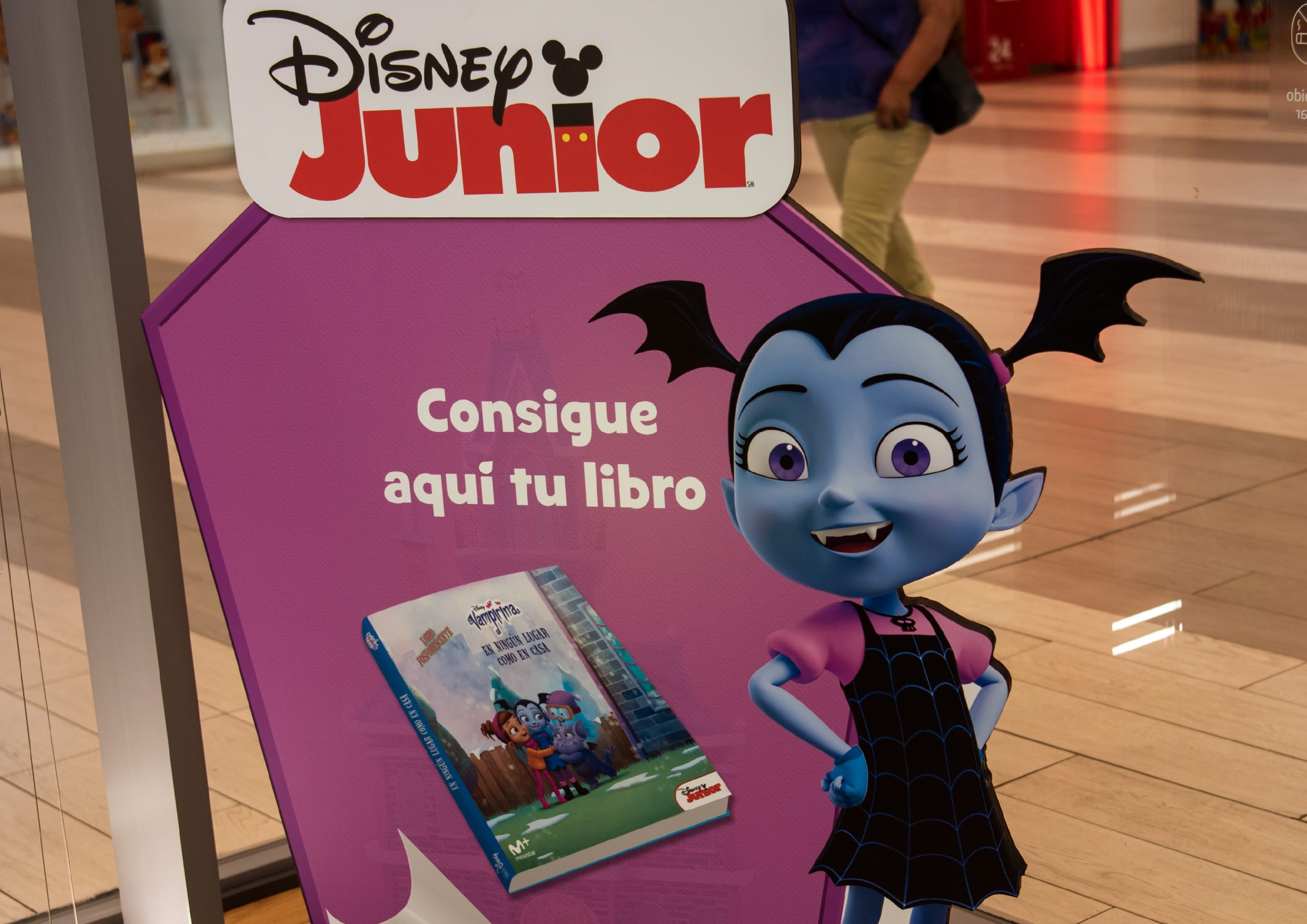 VAMPIRINA'S BOOK – DISNEY